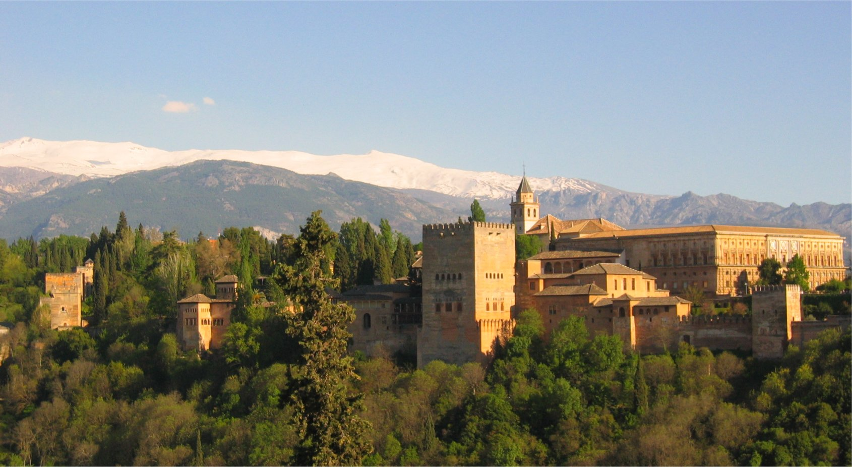 http://www.pvv.org/~erikad/Themepages/Travel/Andalucia/Al_Ahmbra.jpg